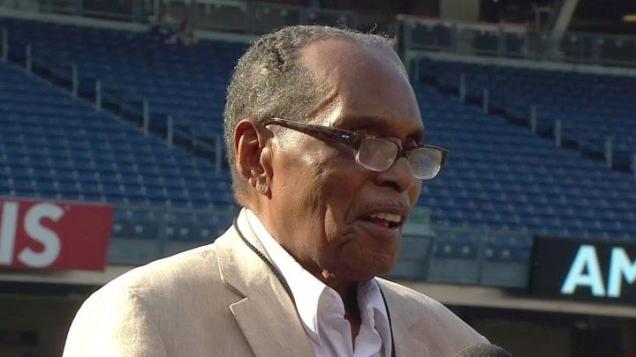 Bernando LaPallo先生今年已113歲了,但他不僅精神煥發,最神奇的是他竟擁有30歲的肌膚,沒有皺紋,也沒有掉任何一顆牙齒。01